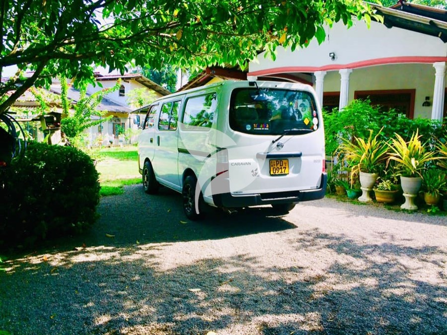 Nissan Caravan E25 - For sale in Gampaha