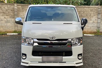 TOYOTA 2014 TRH Super GL For sale in Gampaha